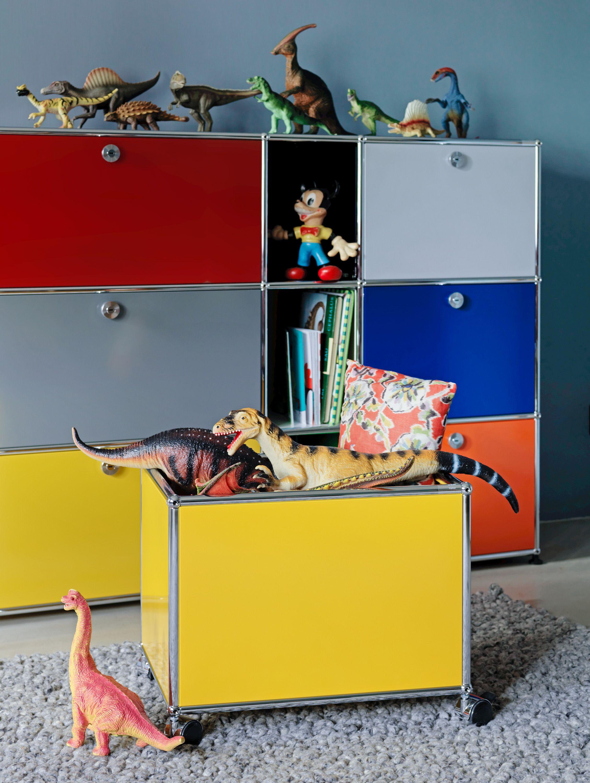 Pour d corer la chambre de votre enfant un meuble usm haller multicolore avec son coffre - Decorer un meuble ...