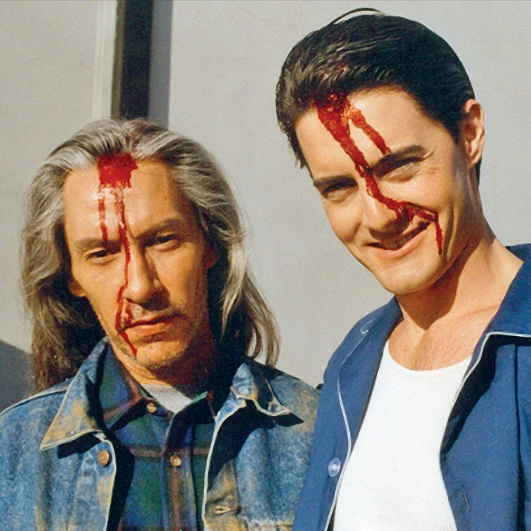 """Twin Peaks on Instagram: """"Frank Silva and Kyle MacLachlan behind the scenes of """"Episode 29"""" which aired 29 years ago tonight. #TwinPeaks @kyle_maclachlan…"""""""