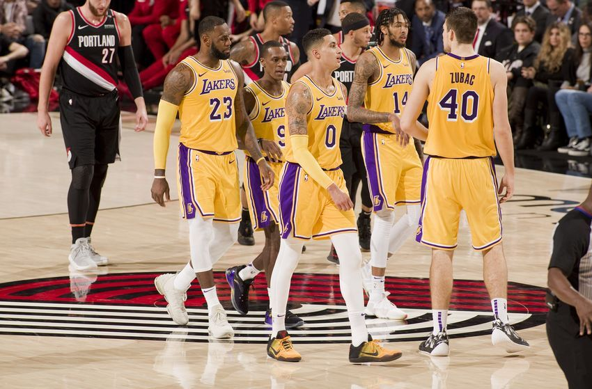 Los Angeles Lakers Are In The Middle Of The Pack Of Nba Power Rankings Nba Lakeshow Los Angeles Lakers Lakers Los Angeles