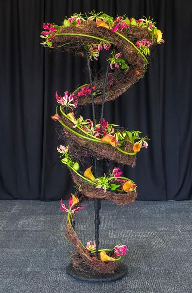 """""""Wildly Expressive"""" - Auckland Area Designer of the Year 2014 - 1st place, and DOY winner, Lorraine Usher, Takapuna Floral Art Club"""