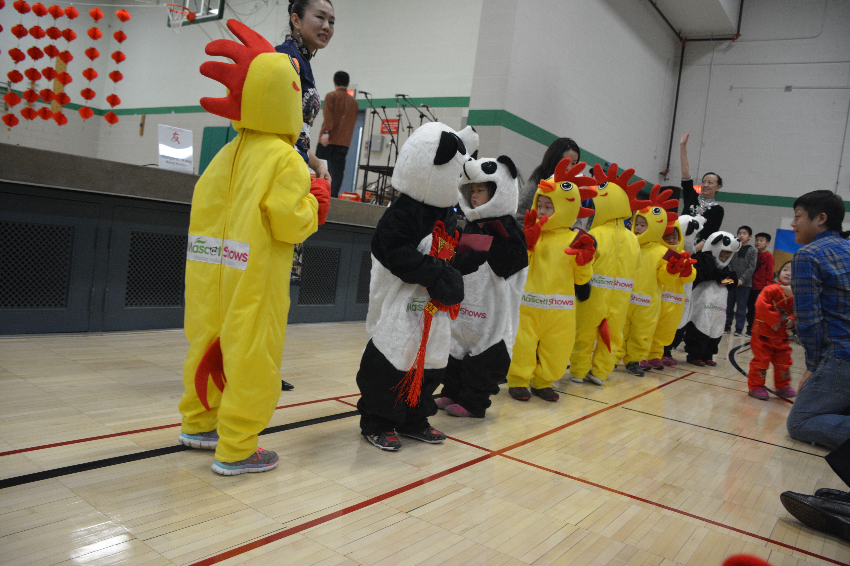 かわいいパンダとにわとりの着ぐるみ | アメリカでの祭り | pinterest