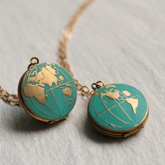 Photo of Weltkarte Medaillon, personalisierte Globus Halskette, Planet Erde Halskette, personalisierte Halskette, Türkis Medaillon, Reisende, Reise-Halskette