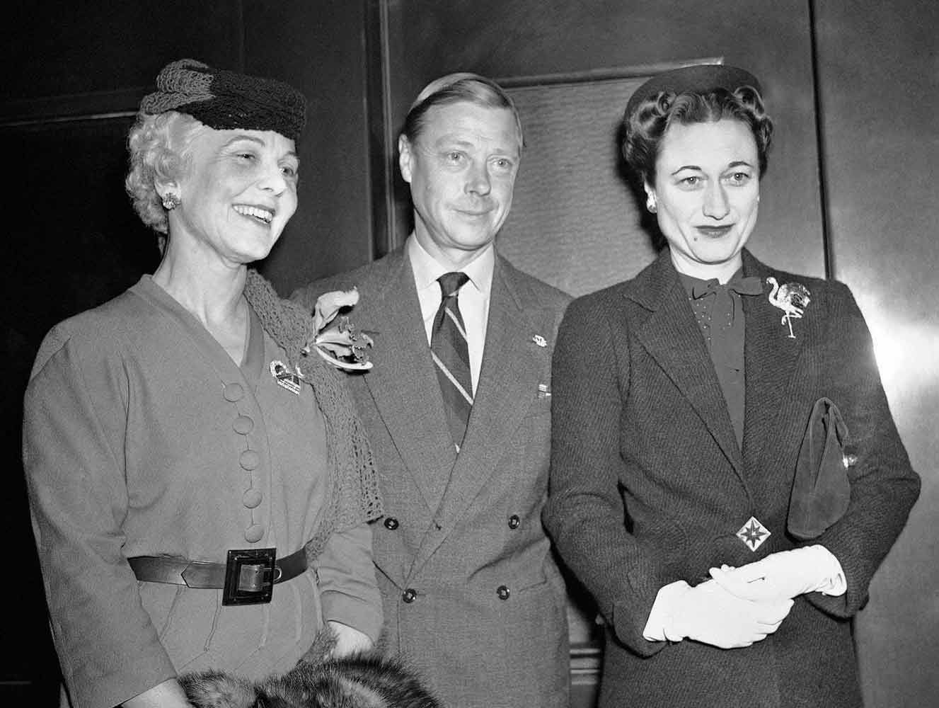 The Duke and Duchess of Windsor with socialite Lucy Linn in Chicago, in 1941