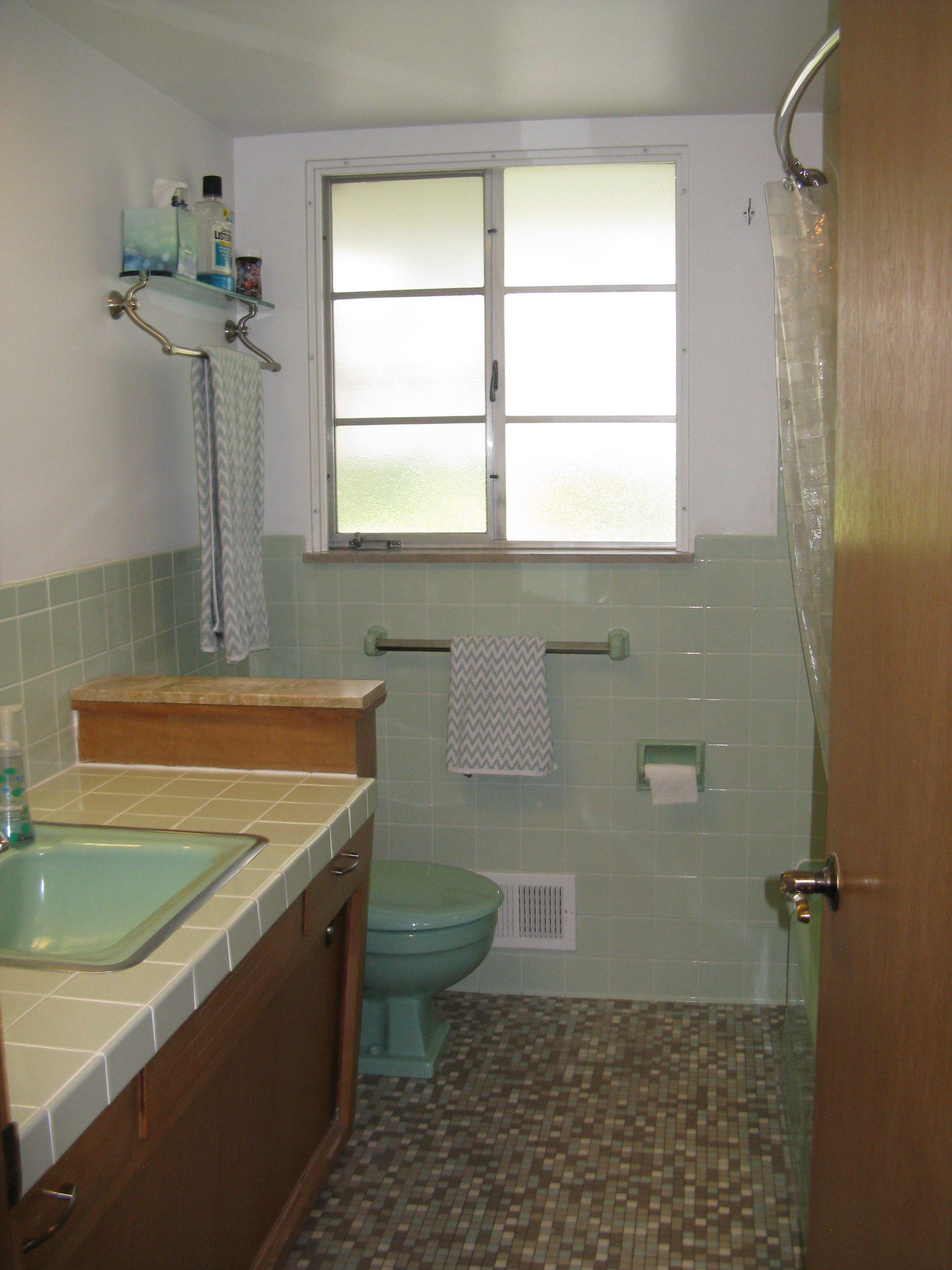 Vintage Bathroom Tile 171 Photos Of Readers Bathroom Designs - Avocado-green-bathroom-tile