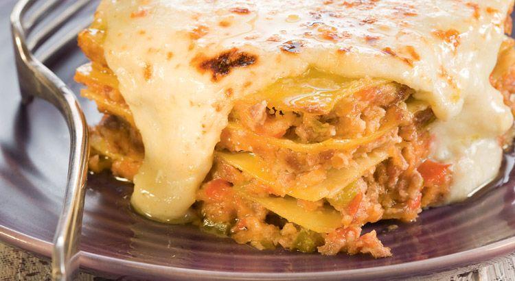 Recette de lasagnes à la viande hachée, aux oignons et aux poivrons
