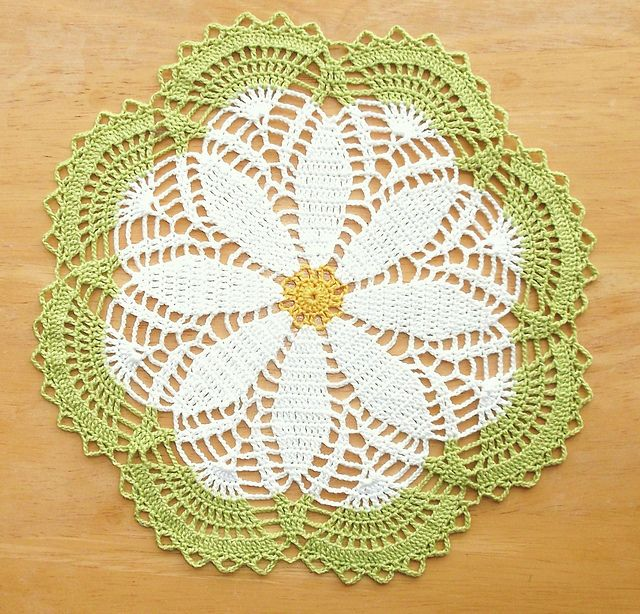 Sweet Daisy pattern by Aly Hymel | lula | Pinterest | Tapetes en ...