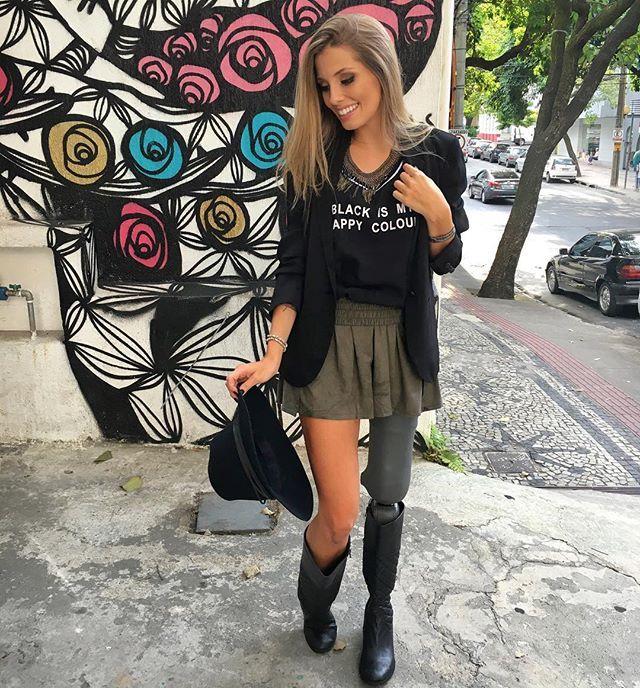 Black is my happy colour ◼️ Look todo @shoulderoficial. Amei amei ❤️