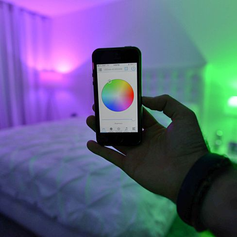 Smfx Is Adjusted Straight From Your Ios Or Android Device So You Can Dim Brighten Change The Color Or Focos De Colores Luces Led De Colores Luces Habitacion