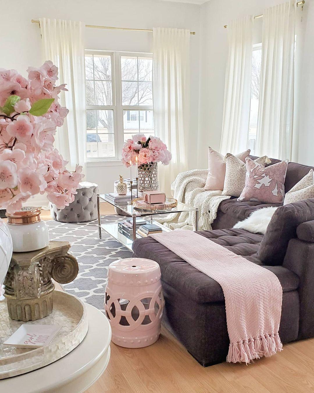 29 Glam Living Room Decor Ideas In 2021 Glam Living Room Decor Glam Living Room Stylish Living Room Chic living room decor