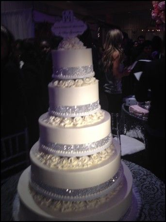 Blinged Out Wedding Cakes | Wedding Ideas | Pinterest | Wedding cake ...