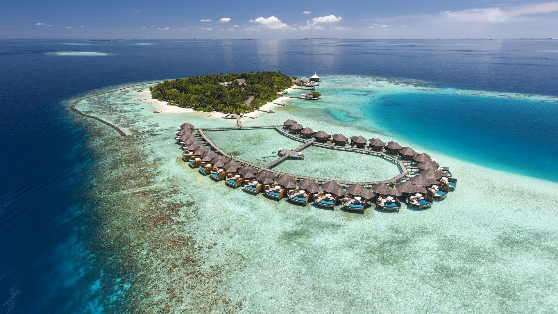 #Baros Maldives #BarosIsland #Asia #Maldives #Hotels #travel #travelblogger #travelgram #travelguide #travels #travelling #travelblog #traveladdict #traveladikkt #beautifuldestinations #bucketlist #luxury #luxurylifestyle #luxurytravel #luxurydestinations #lifestyle #lifestyleblogger #beautifulplaces #beautifulplace #beautiful #beautifuldestination