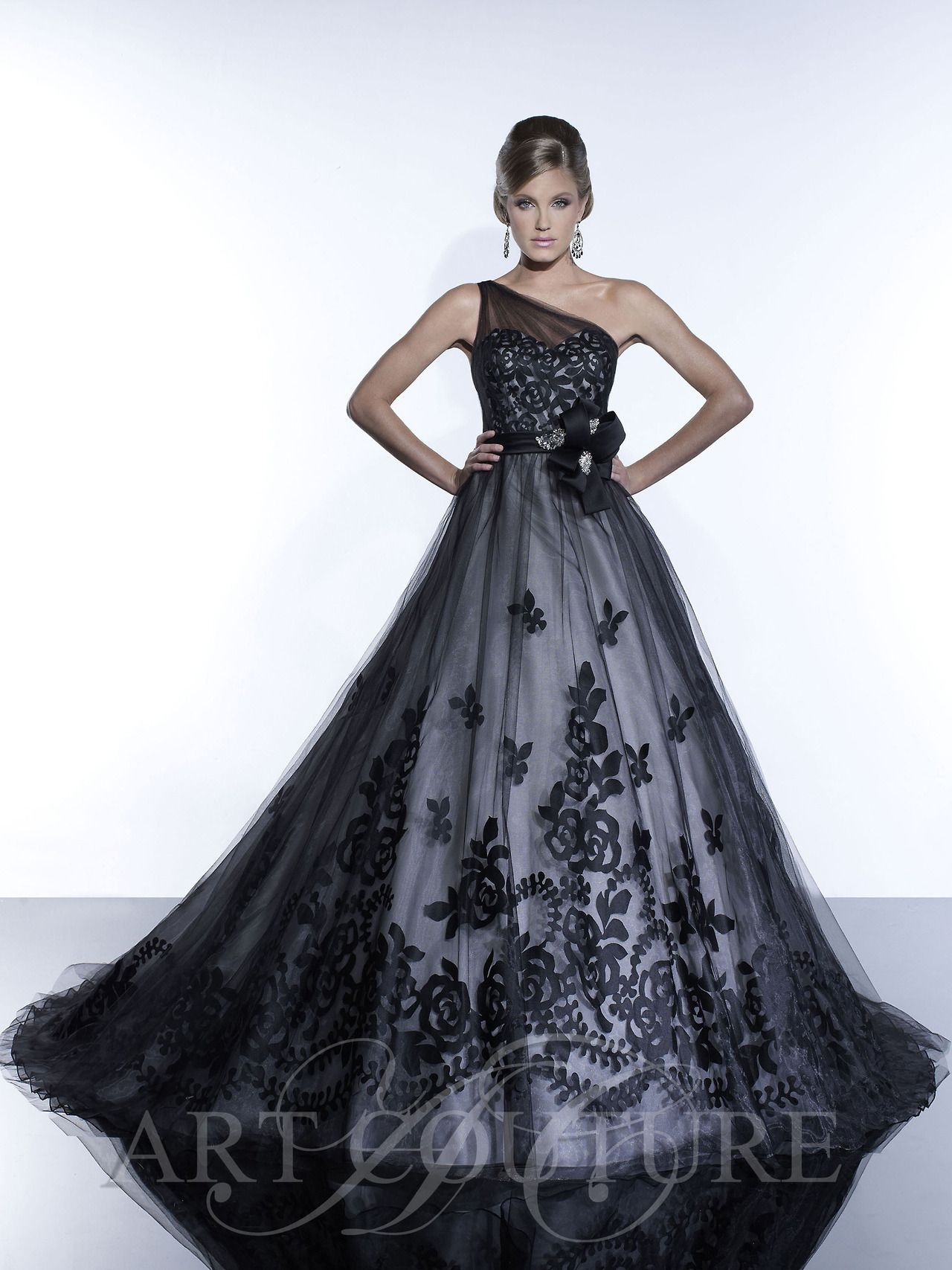 Black silver wedding dress...  f4199a597afe