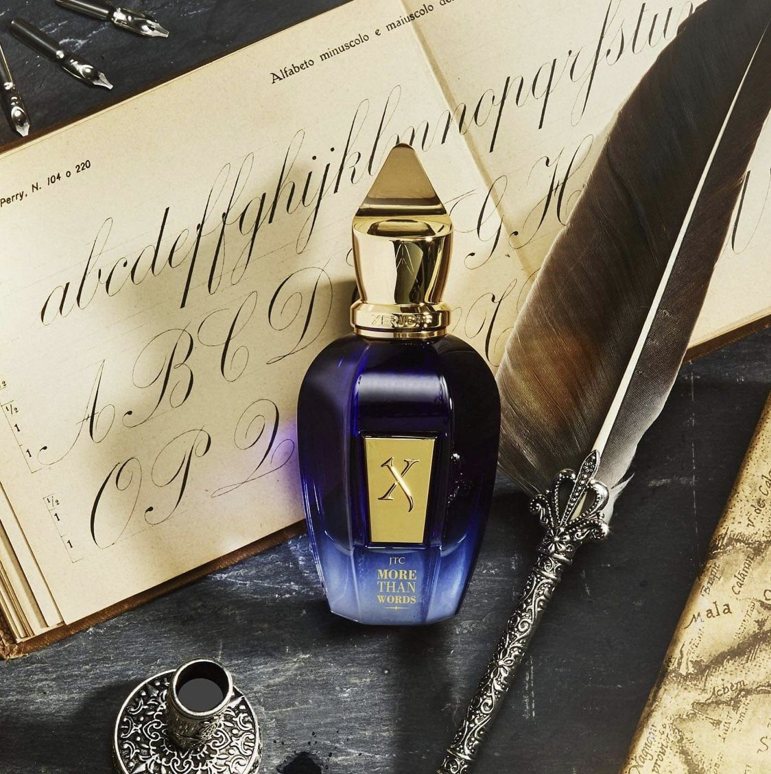 Pin By Samar Anan On صور عطور Perfume Scents Perfume Fragrance Store