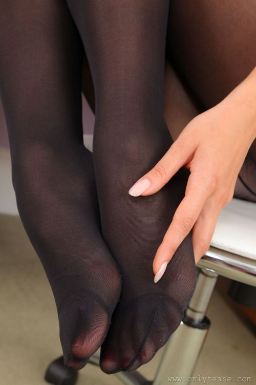 Pantyhose, Hosiery, Tights, and Stockings - HerRoom