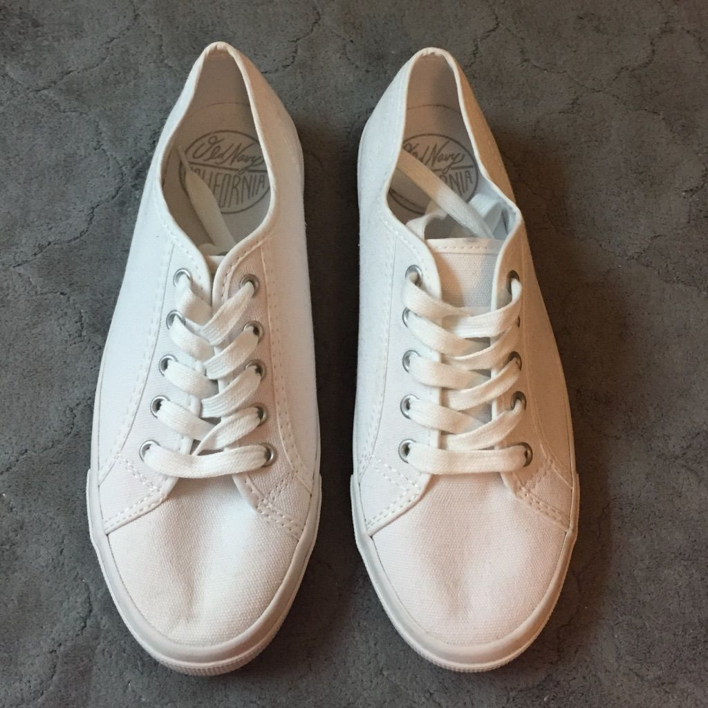 8b6e3f62c90 New! Old Navy White Tennis Shoes
