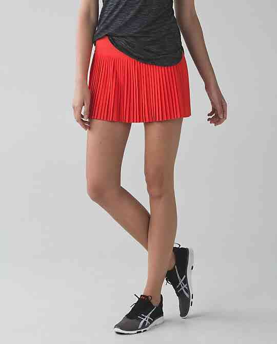 ea116baf3a Alarming pleat to street skirt II size 6 | Lululemon Skirts | Skirts ...