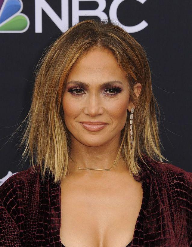 Les cheveux châtain clair de Jennifer Lopez Cheveux