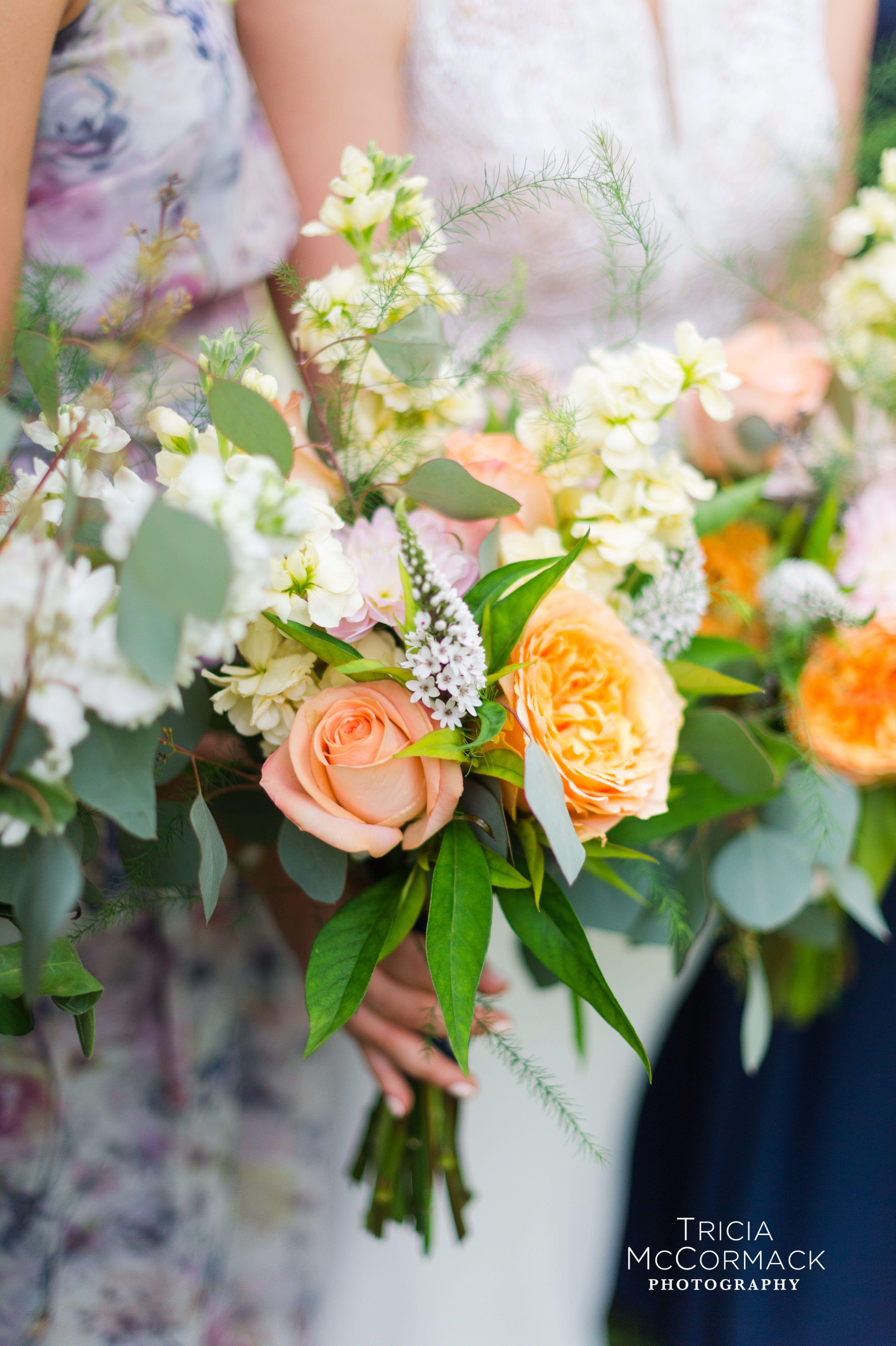 Fresh Summer Wedding Flowers Real Weddings Berkshire Photographer Flower Vendors Best