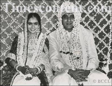 Vinod-Khanna-Kavita-Daftary.jpg (393×301)