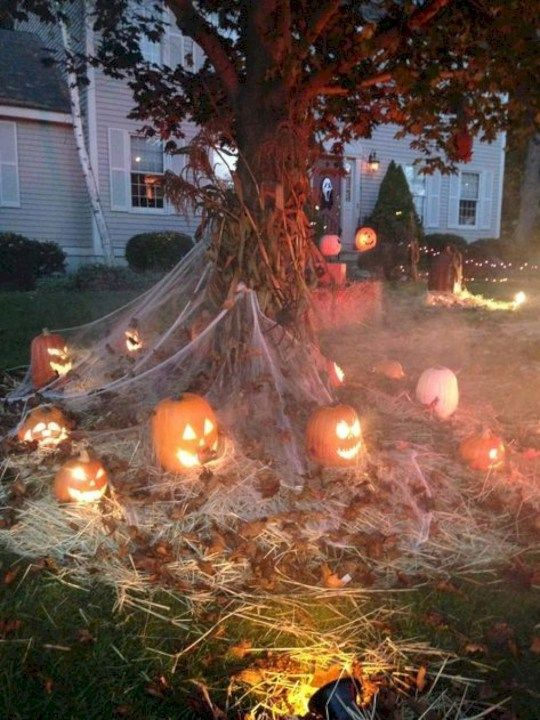 Pin By Canvas Concept On Halloween Town Halloween Decorations Diy Outdoor Halloween Diy Outdoor Halloween Outdoor Decorations