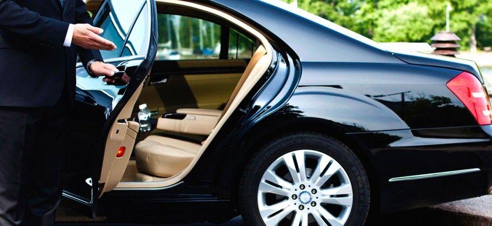 Mini Cab Airport Taxi To Wimbledon Car Rental Company Limo Rental Limo