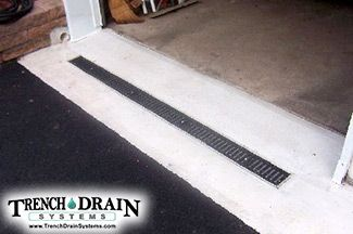 Trench Drain In Front Of Garage Trench Drain Driveway Drain Drainage
