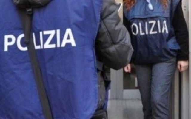 Ultim'Ora: Polizia trova una rete di Al Qaida Blitz in Sardegna questa mattina: 18 arresti #polizia #alqaida #sardegna #arresti