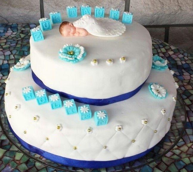 Zweistckige Torte zur Taufe in der Farbe Blau  Fondant
