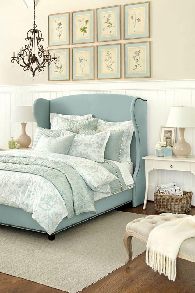 Bett Mit Gepolstertem Kopfteil bett mit gepolstertem kopfteil blauer stoffbezug wandanstrich