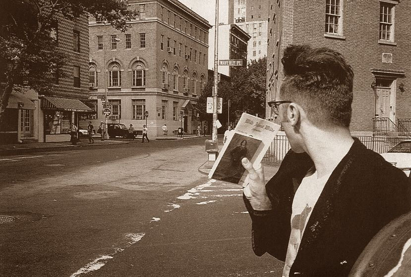 morrissey holding a picture of oscar wilde