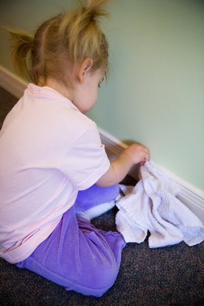 Great ideas for how the kids can help with cleaning from www.howdoesshe.com
