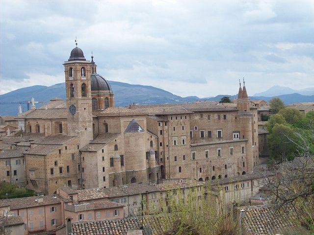 Urbino by infomuseum.org, via Flickr #InvasioniDigitali il 27 aprile alle ore 11.00 Invasore: Ilaria Barbotti