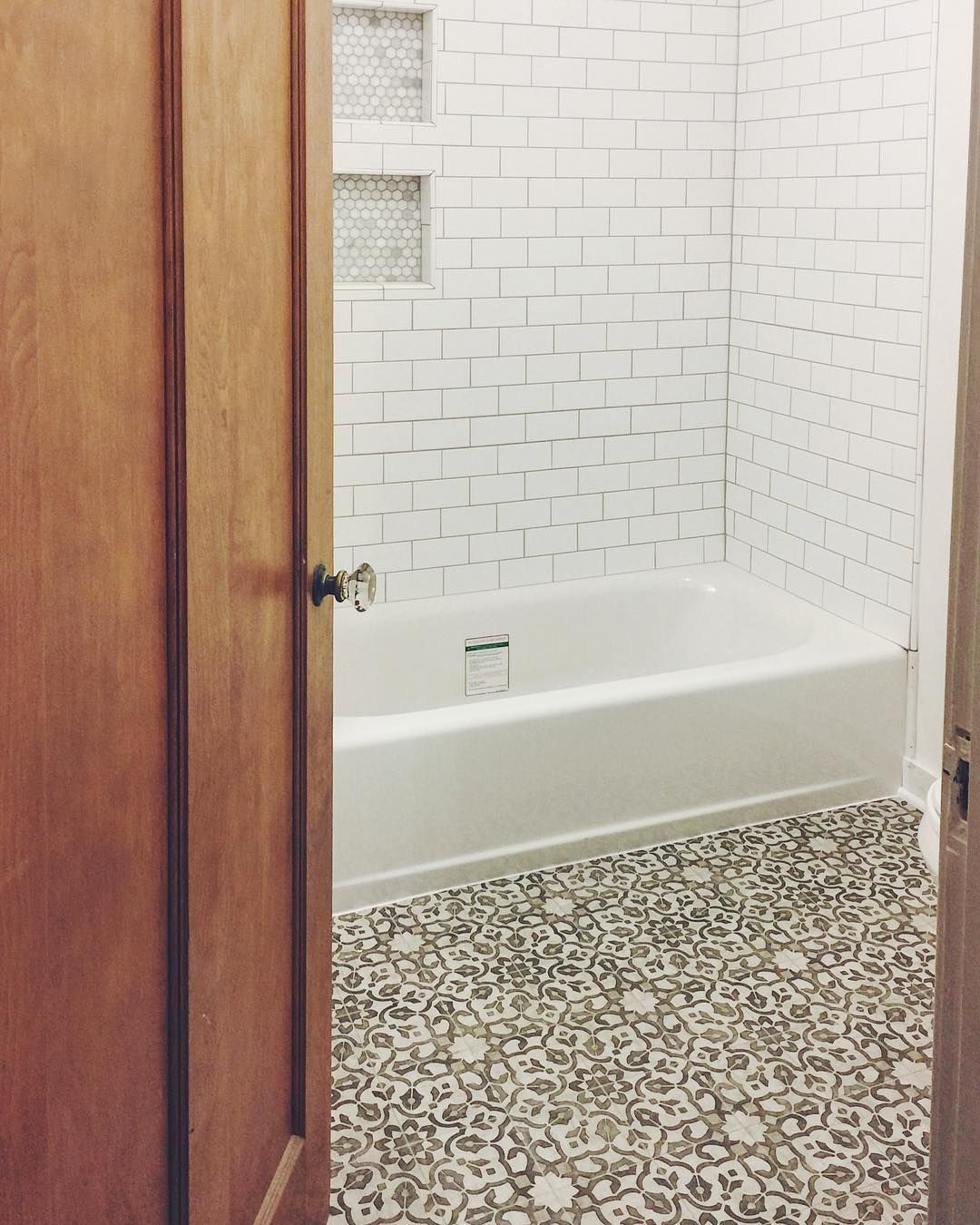 Mannington Filigree In Iron Vinyl Flooring Kitchen Bathroom Vinyl Patterned Floor Tiles