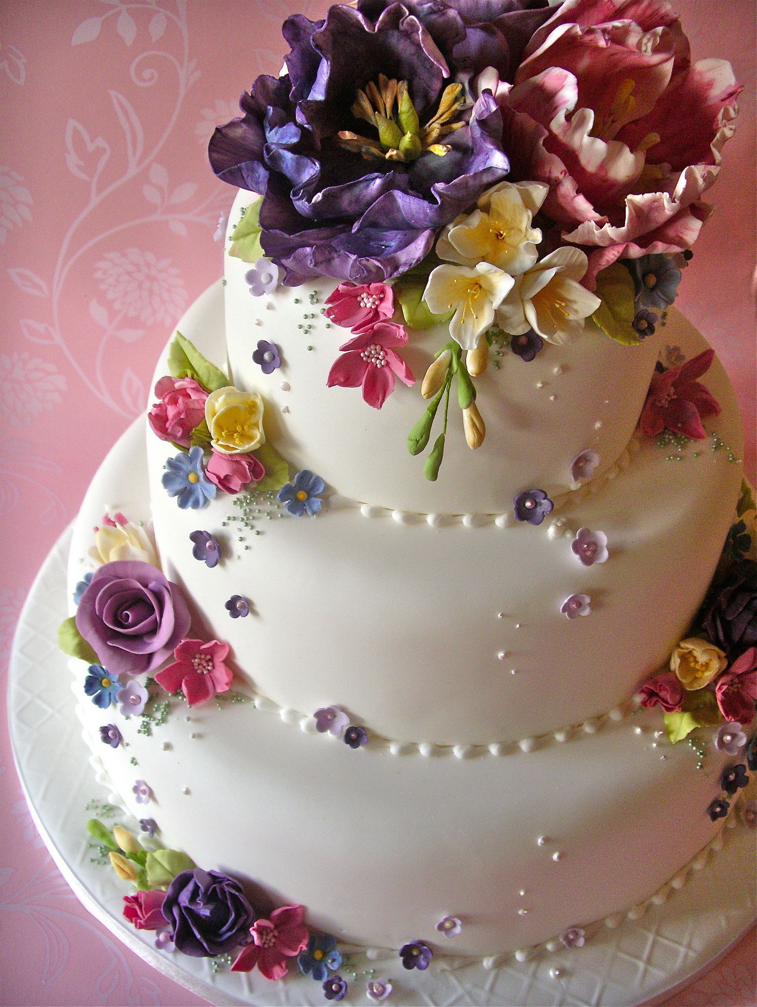 Cottage garden wedding cake