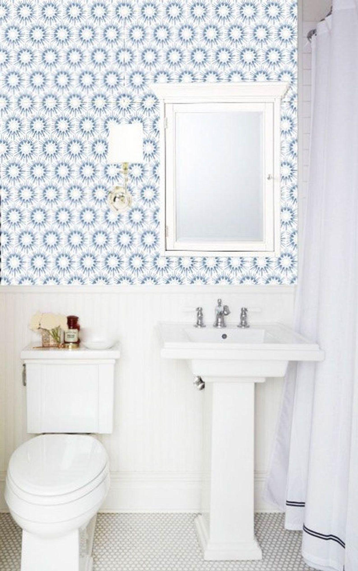 Small Bathroom Wallpaper Ideas Poor Little It Girl In 2020 Small Bathroom Wallpaper Bathroom Wallpaper Small Bathroom