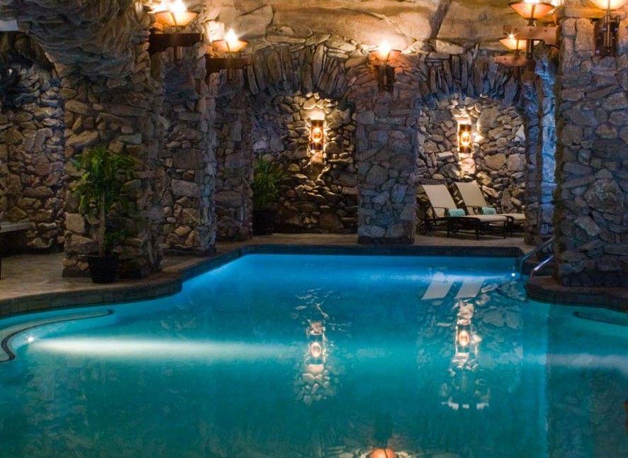 Take A Dip In America S Sexiest Hotel Pools Grove Park Inn Hotel Pool Grove Park