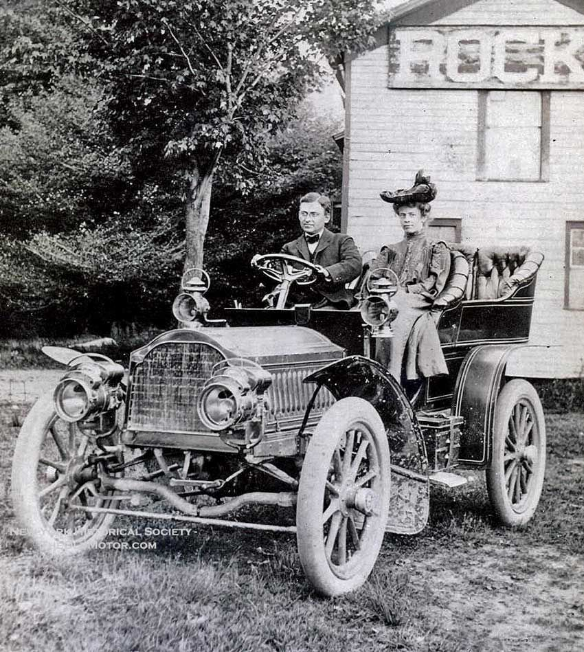 James Ward Packard in his 1904 Packard ... =====>Information ...