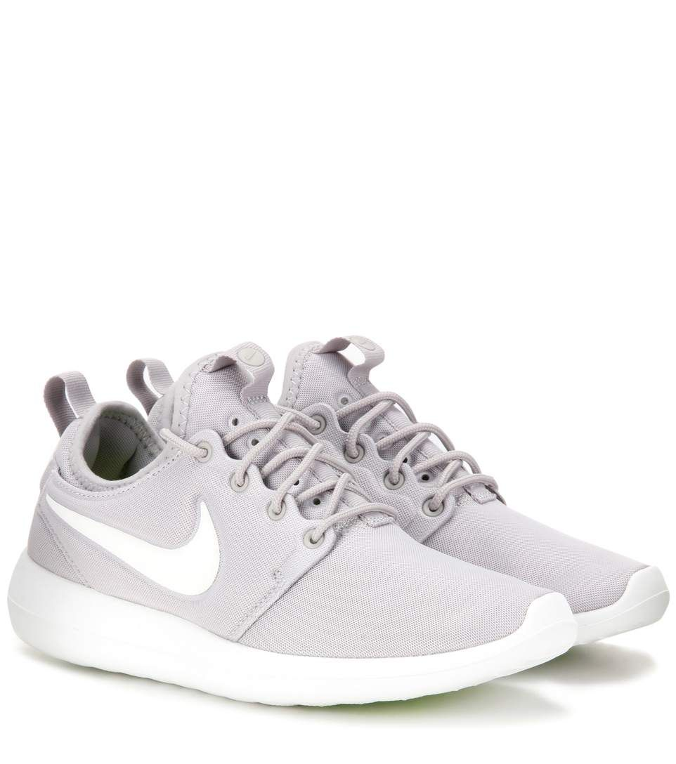 0920f8dfc912 Nike Roshe Two light grey sneakers