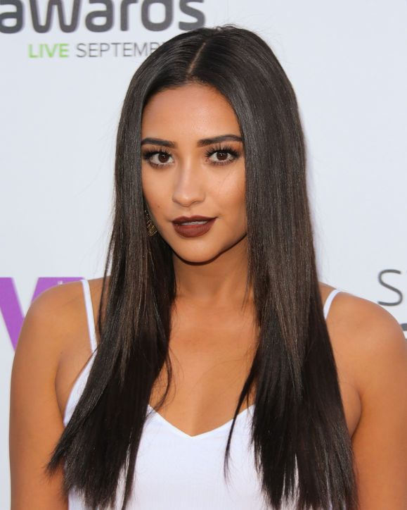 Yes, You Can Rock Dark Lipstick! These Celebrities Show You How: Lipstick.com