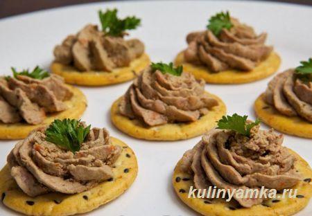 Pashtet Iz Kurinoj Pechenki S Yajcami Recipe Chicken Livers Chicken Liver Pate Food