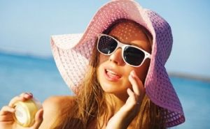 هل تسبب النظارات الشمسية ظهور البثور على الوجه http://bit.ly/20XEnlM