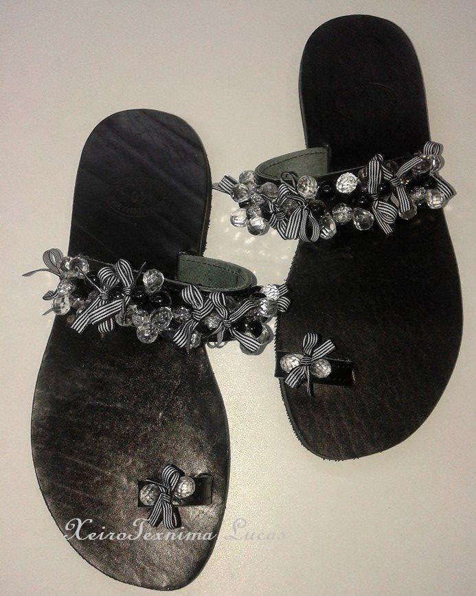 Χειροτεχνημα - Handmade: Μαύρα δερμάτινα πέδιλα με χάντρες