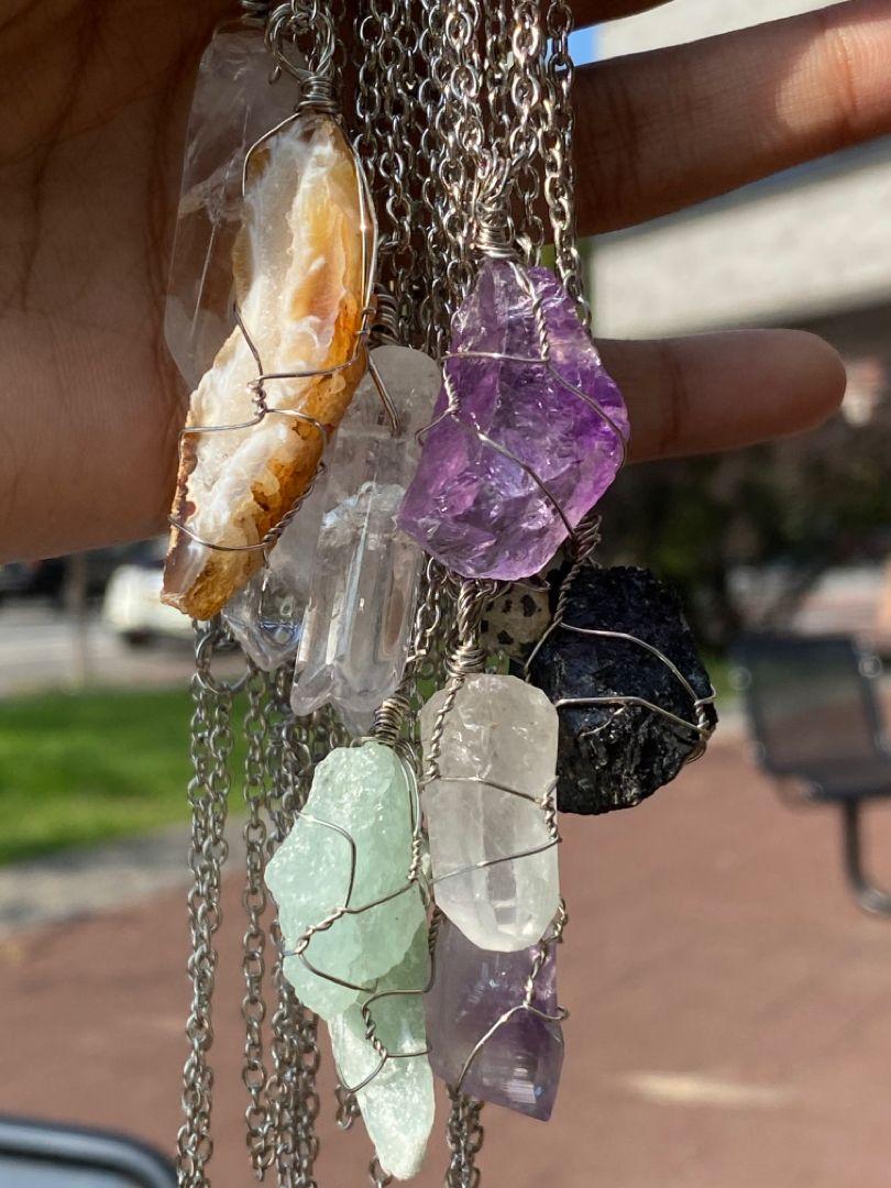 crystals #crystaljewelry #clearquartz #amethyst #amethystjewelry #amethystnecklace #amethystcrystal #gemstones #gems #gemstonejewelry #citrine