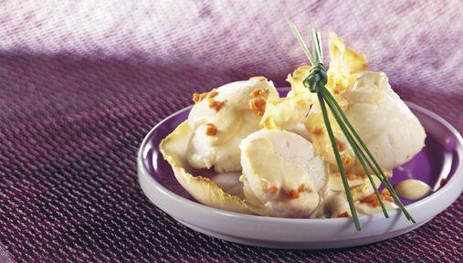 Découvrez notre recette de saint-jacques et son corail en sabayon sur céleri croquant pour 6 personnes. Une recette de difficulté 3 sur 4 préparée en 25 min (cuisson : 6 min)