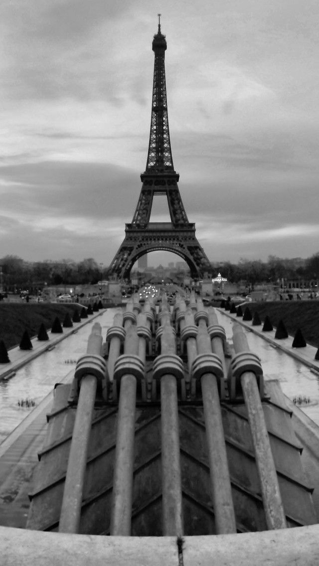 Eiffel Tower Paris Blackwhite Wallpaper 4k For Mobile Android Iphone Black And White Wallpaper Eiffel Tower Hd Wallpaper Iphone