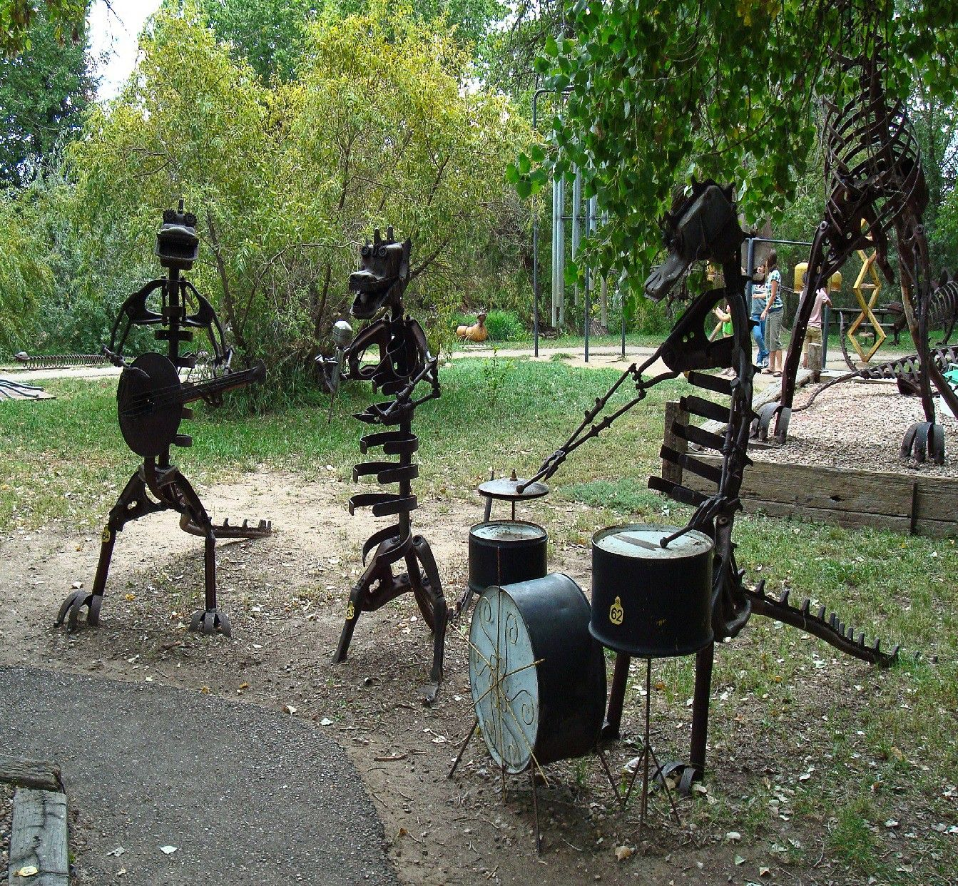 Pin By Alia Maisarah On Garden In 2020 Metal Yard Art Yard Art Metal Art Welded