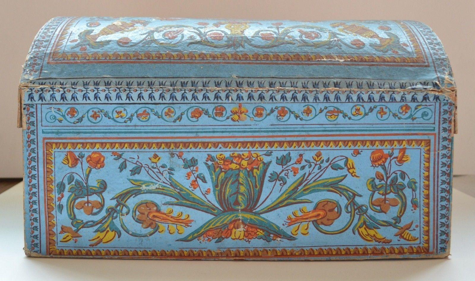 Peinture Sur Papier Peint Existant superbe coffre en carton gainé de papier peint - fin