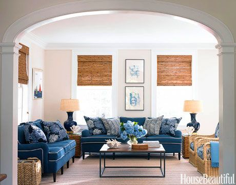 35 Ways To Decorate A Family Room Everyone Will Actually Want To Hang Out In Chic Living Room Cottage Living Rooms Coastal Living Rooms