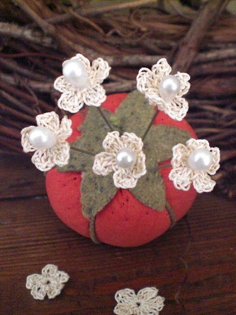crocheted little flowers pins