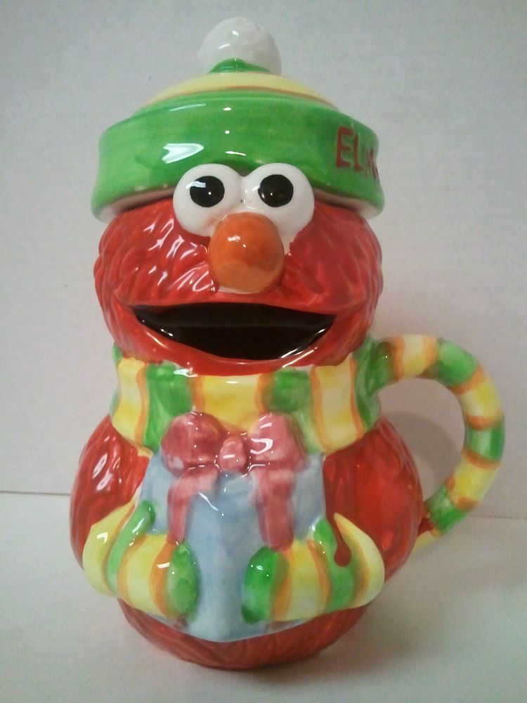 Sesame Street Workshop  Hot Chocolate Christmas Mug  Elmo Holding     Sesame Street Workshop  Hot Chocolate Christmas Mug  Elmo Holding Present